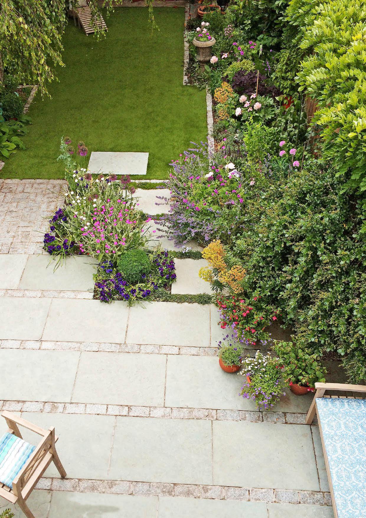 Celia's cottage garden2