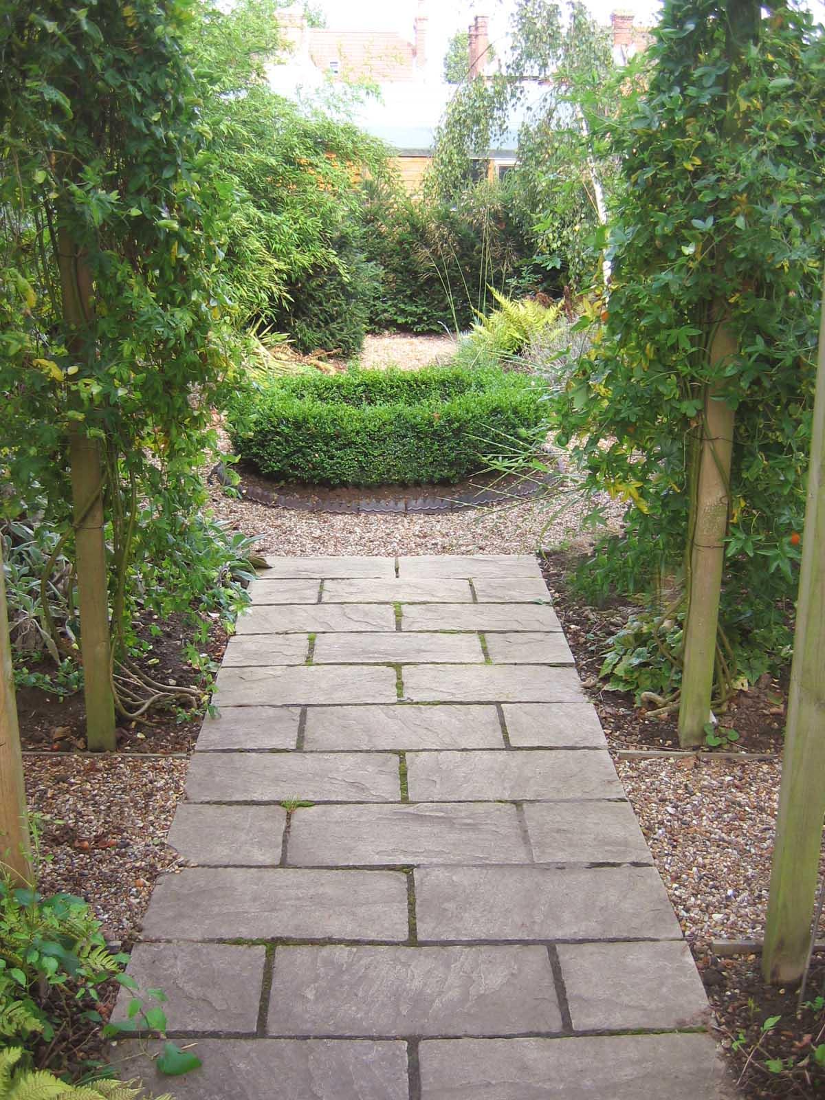 2. Jo's garden