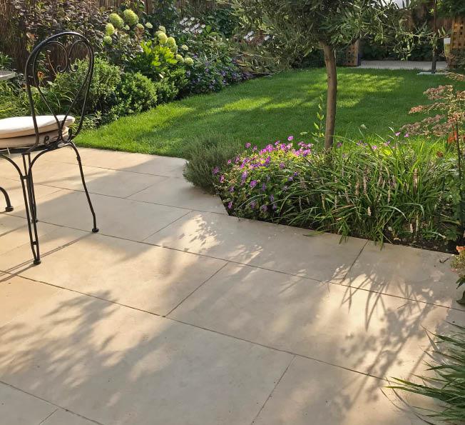 Taz and Rob's garden
